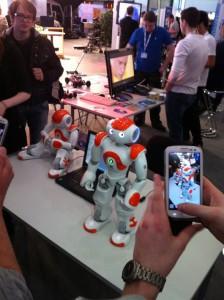 At dømme efter kødrandene omkring de små maskiner, var de dansene robotterne et hit. Ingen nyhed, men helt klart meget populære.